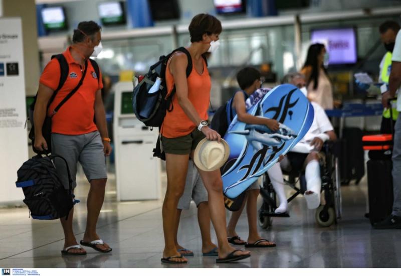 Θεοχάρης: Όλοι οι Βρετανοί, εμβολιασμένοι και μη, θα μπορούν να έρθουν το καλοκαίρι στην Ελλάδα