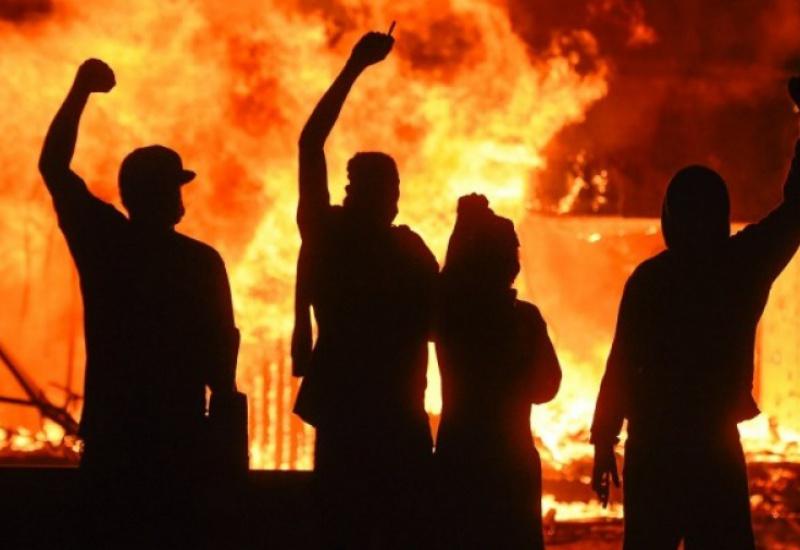 Ταραχές σε πολλές πόλεις των ΗΠΑ