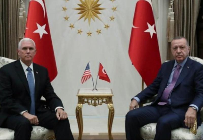 Χωρίς δηλώσεις η συνάντηση Ερντογάν-Πενς