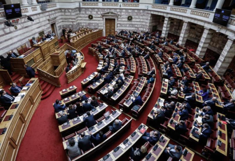 Εκλογικός νόμος: Ενταση στη Βουλή για το μπόνους εδρών