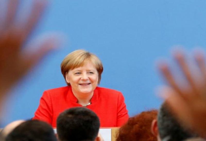 Απότομη «προσγείωση» από την Μέρκελ: «Σημαντική η 20η Αυγούστου για την Ελλάδα αλλά τα μέτρα είναι μέτρα»