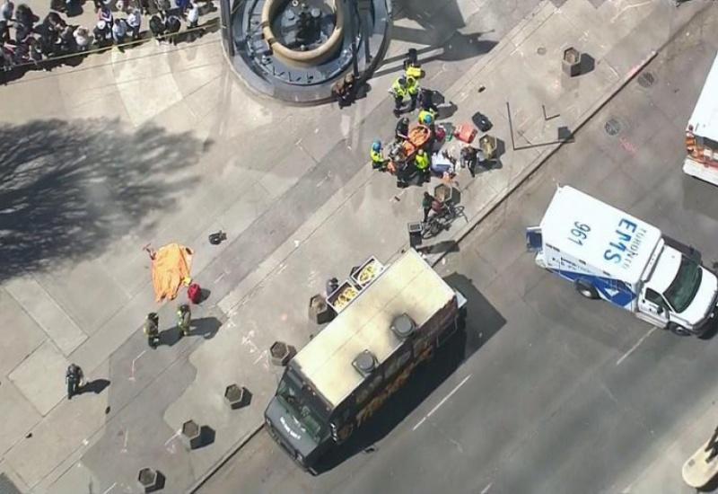 Μακελειό με 10 νεκρούς στο Τορόντο -25χρονος έριξε το όχημά του σε πεζούς