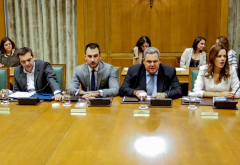 Υπουργικό: Άγριος καυγάς Κοτζιά – Καμμένου – Δέσμευση ότι δεν θα ρίξει την κυβέρνηση ζήτησε ο πρωθυπουργός από τον υπουργό Άμυνας