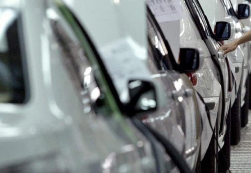 Τραμπ: Επανέλαβε την απειλή για δασμούς στα ευρωπαϊκά αυτοκίνητα