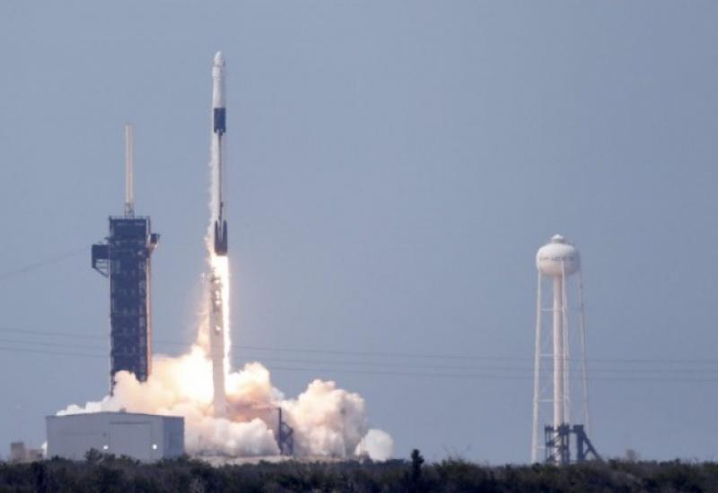 SpaceΧ: Εκτοξεύθηκε η επανδρωμένη αποστολή