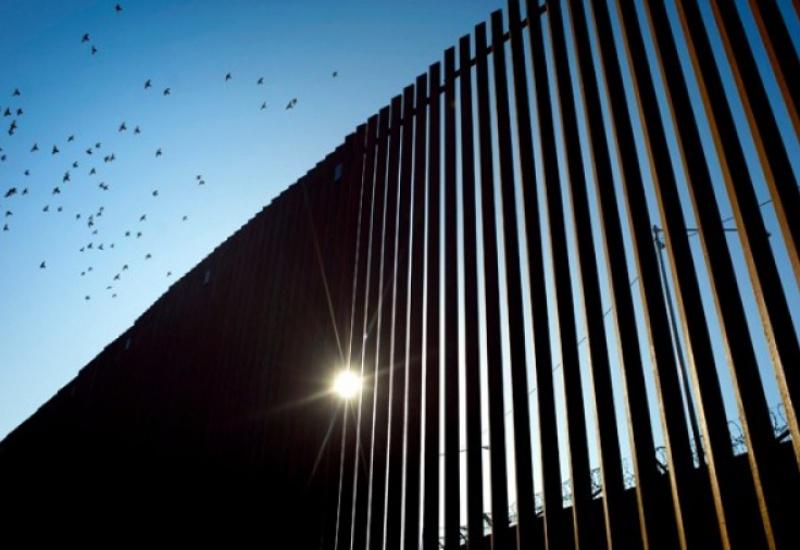 Δεκαέξι αμερικανικές Πολιτείες προσέφυγαν εναντίον της έκτακτης ανάγκης για το Τείχος
