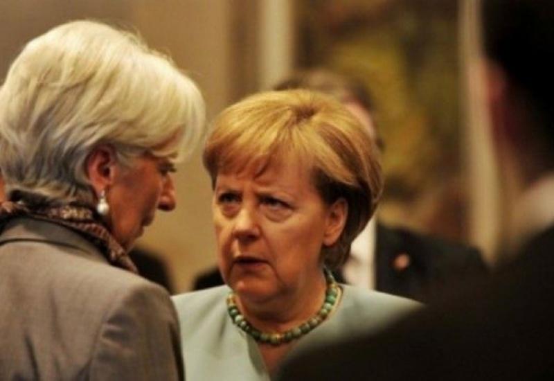 Κρίσιμη συνάντηση Μέρκελ - Λαγκάρντ στο Βερολίνο