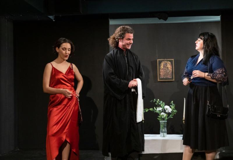 """Νέα Υόρκη: Ολοκληρώθηκαν οι παραστάσεις του θεατρικού """"Φτυστός ο μακαρίτης"""""""