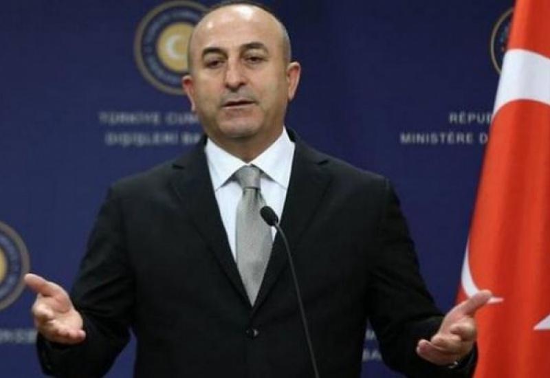 Με διπλωματικό επεισόδιο 'απειλεί' ο Τσαβούσογλου, αν δεν εκδοθεί από τις ΗΠΑ ο Γκιουλέν