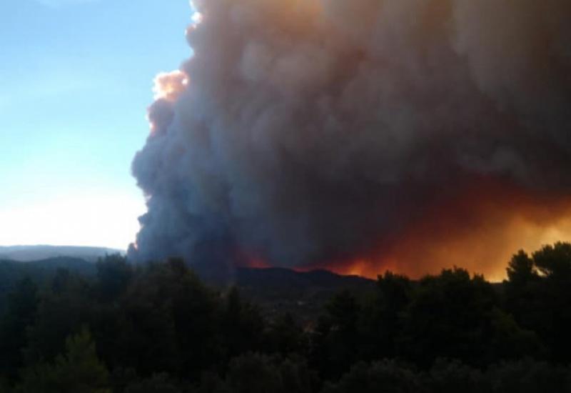 Εύβοια: Έτσι σώθηκαν τέσσερα χωριά από τη φωτιά – Μάχη σε δυο μέτωπα