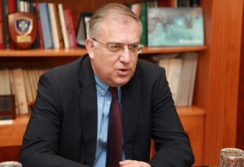 Τ. Θεοδωρικάκος: Ο κ. Τσίπρας να απολογηθεί για το παρακράτος που έστηναν