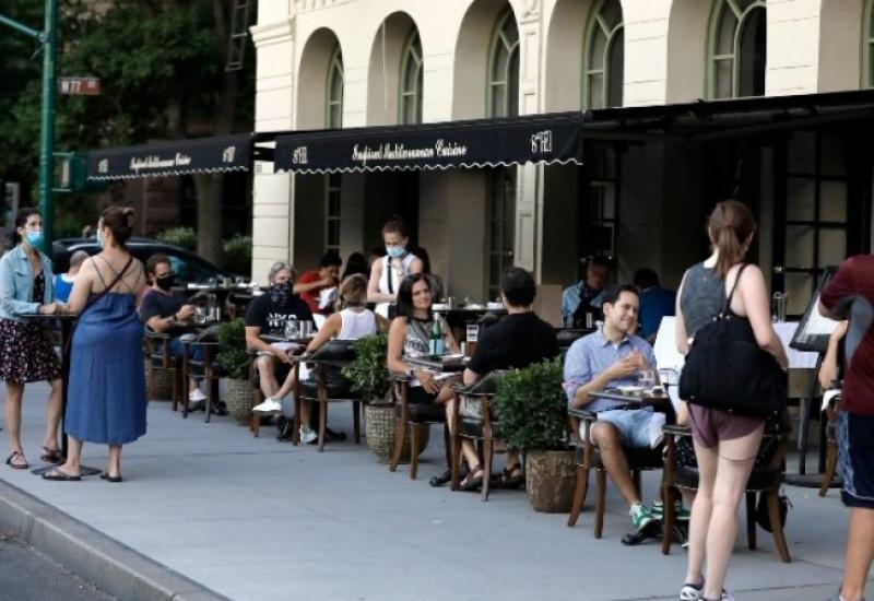 Covid-19: Η Νέα Υόρκη θέτει σε καραντίνα τους επισκέπτες από 16 πολιτείες