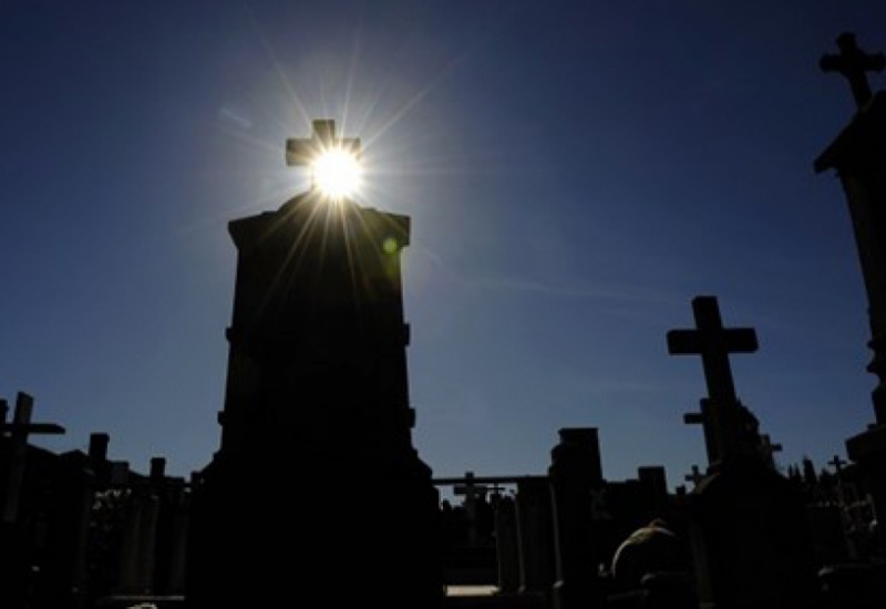 ΙΚΑ: Στέλνουν ραβασάκια πληρωμής σε νεκρούς!