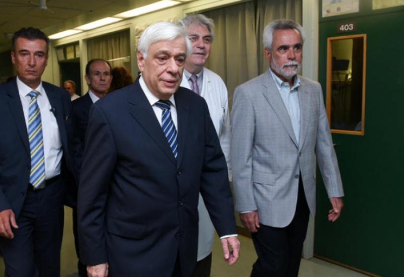 Θα παραμείνει στο νοσοκομείο απόψε ο Προκόπης Παυλόπουλος- Για εξετάσεις