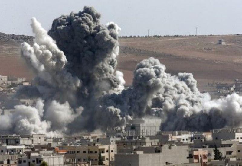 Ρωσικές αεροπορικές επιδρομές στη Συρία. Περισσότεροι από 30 άμαχοι νεκροί. Στάση αναμονής από τις ΗΠΑ