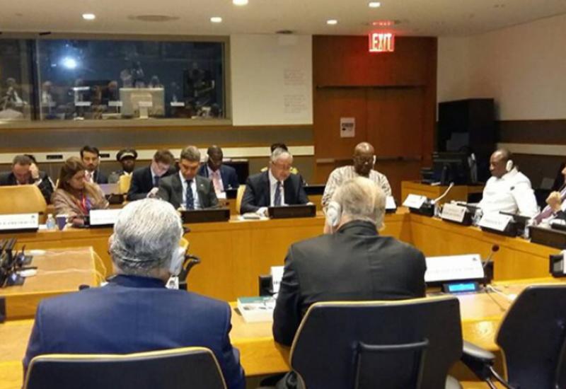 Ο Γιώργος Παπανδρέου δίνει βήμα προβολής στον κατοχικό ηγέτη Μουσταφά Ακιντζί